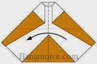Bước 9: Gấp đôi tờ giấy theo chiều từ phải sang trái.