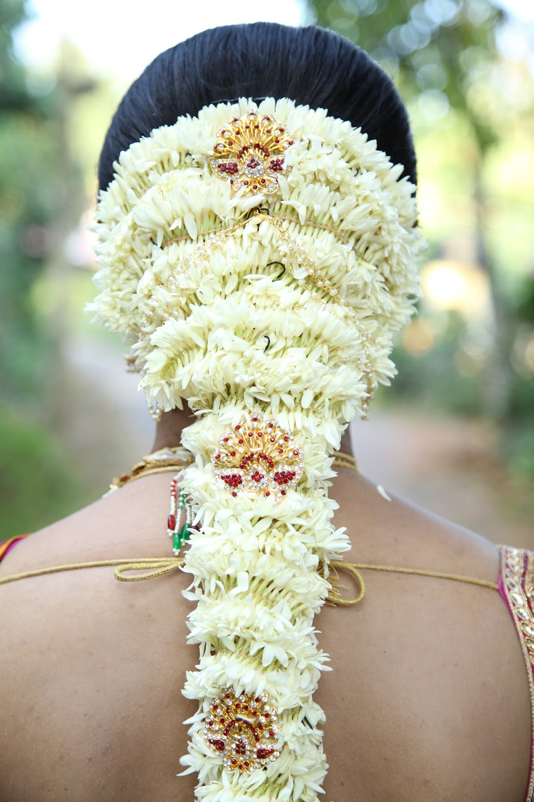 Indian bridal hairstyles with flowers