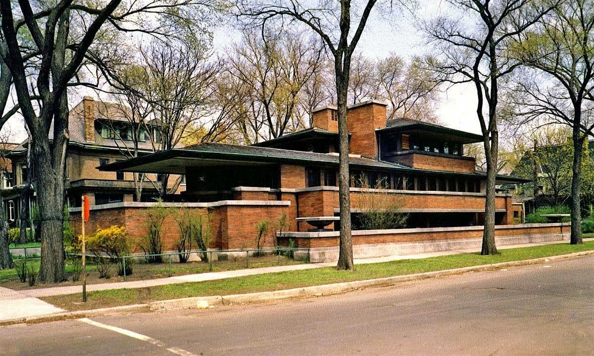 frank lloyd wright architecture essay Fay jones was still a boy in arkansas when he first heard of frank lloyd wright it was the 1930s, and though the famous architect was already in his seventies, he was as busy as ever as recounted in an essay by gregory herman for the digital exhibit fay jones and frank lloyd wright — organic.