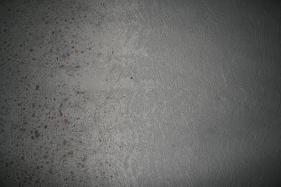 Degradación del acabado superficial de una solera.