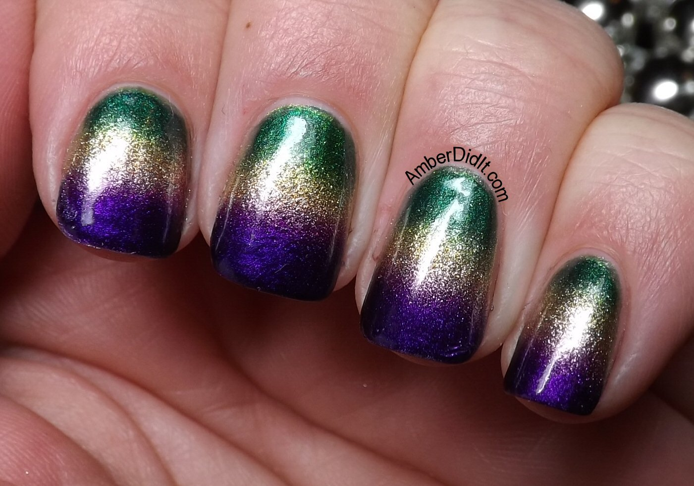 Amber did it!: Mardi Gras Gradient Nails