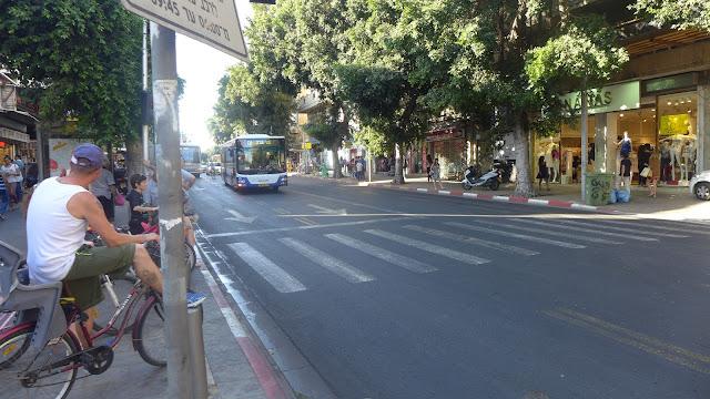 תל אביב - רחוב אלנבי - יוני 2015