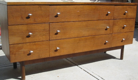 Stanley Furniture   Black Circle Backing And Metal Pull (newer Hardware On  This Dresser   Should Look Like The One Below)