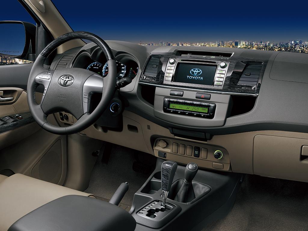 Toyota Fortuner 2014 Interior