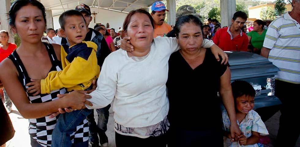 Michoacan Bajo Fuego.  Fotogaleria.  Las Victimas de Paracuaro 03