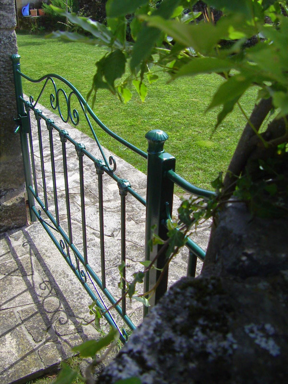 El rinc n de un aprendiz de cabecero de hierro a puerta - Puertas de hierro para jardin ...