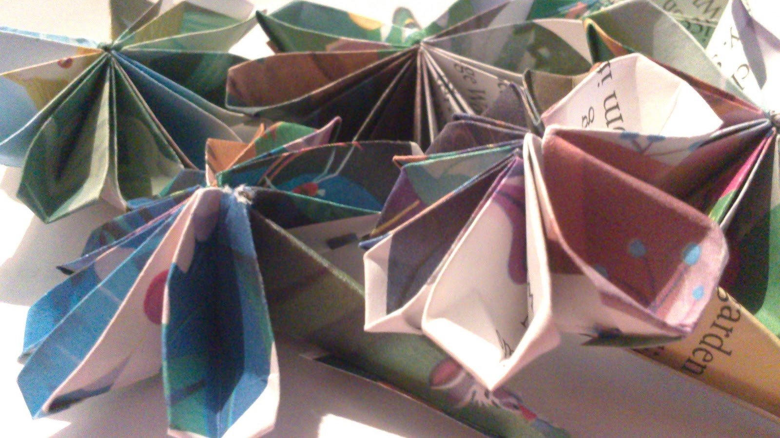 Alice In Wonderland 8 Petal Origami Flowers