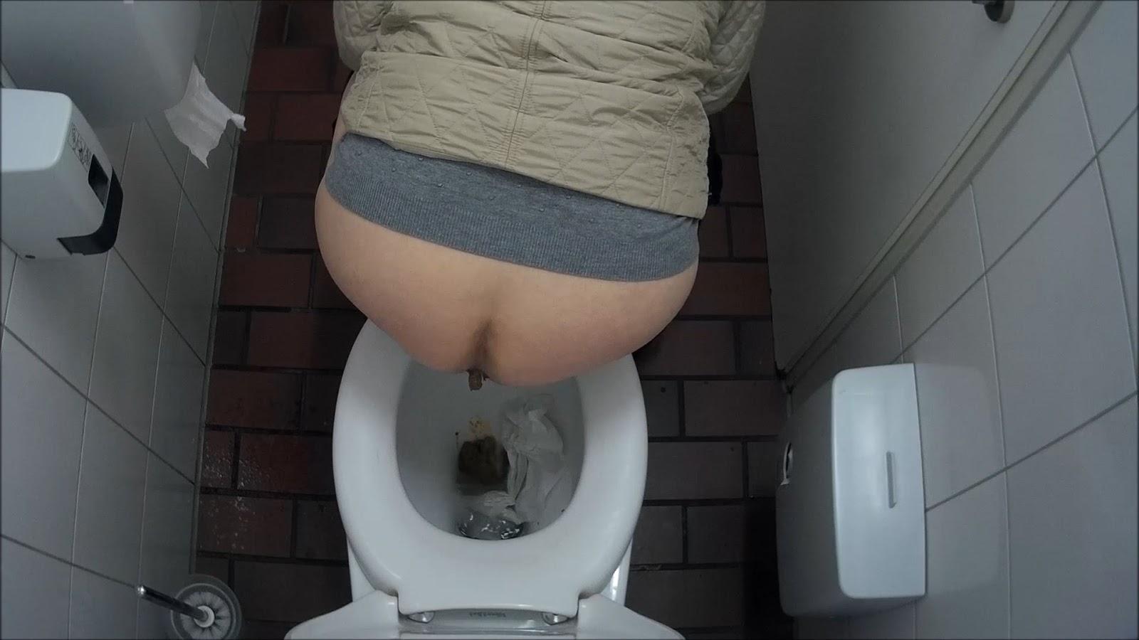 Voyeur Zone: Germany public toilet 2