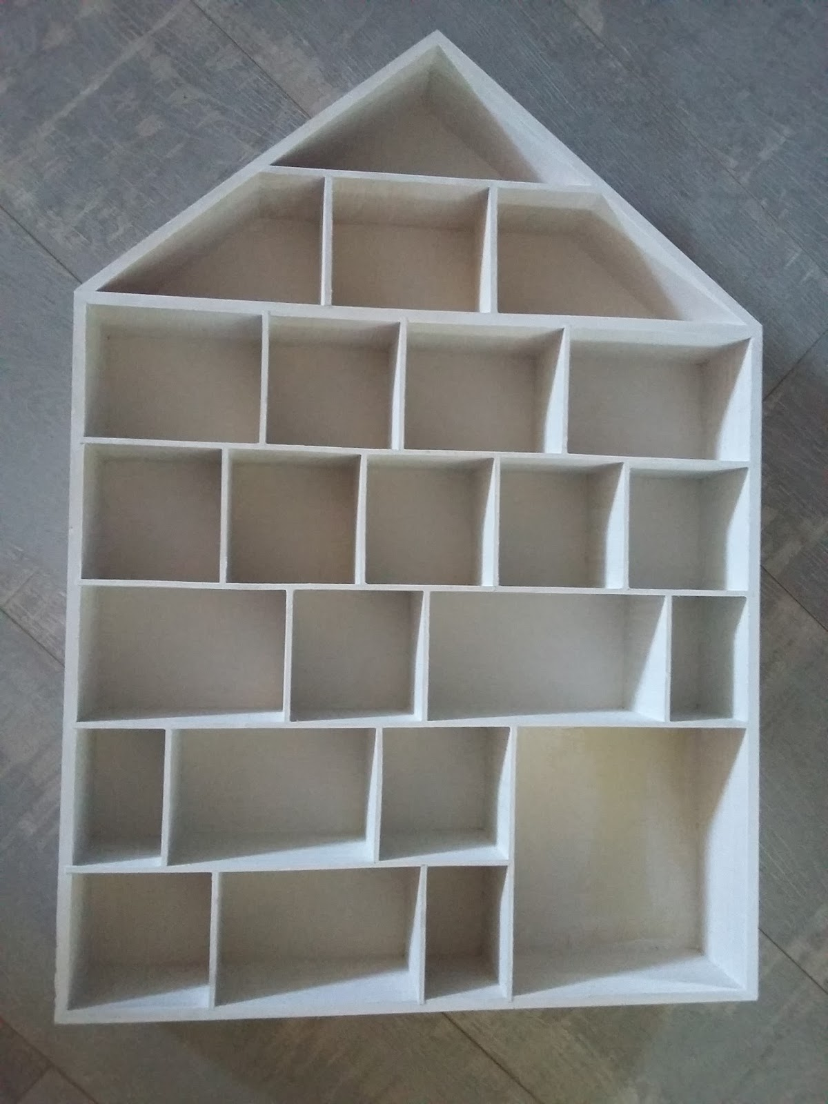 bricolage de l 39 id e la r alisation calendrier de l 39 avent original. Black Bedroom Furniture Sets. Home Design Ideas