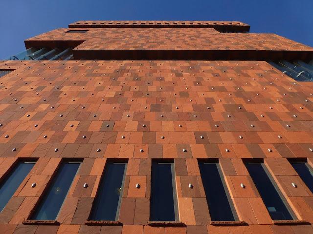 05-Museum-aan-de-Stroom-by-Neutelings-Riedijk-Architects