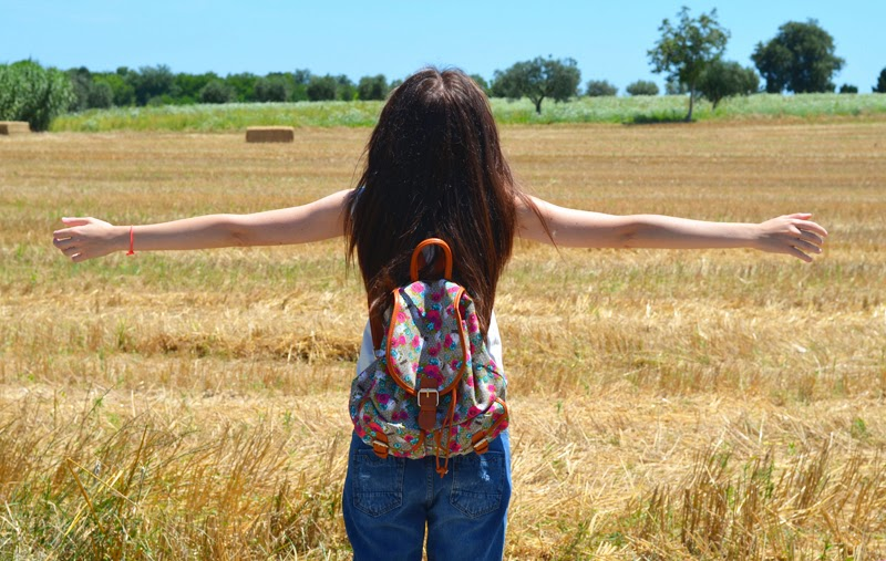 wheat field, the annelicious, outfit, fashion blogger, boyfriend jeans