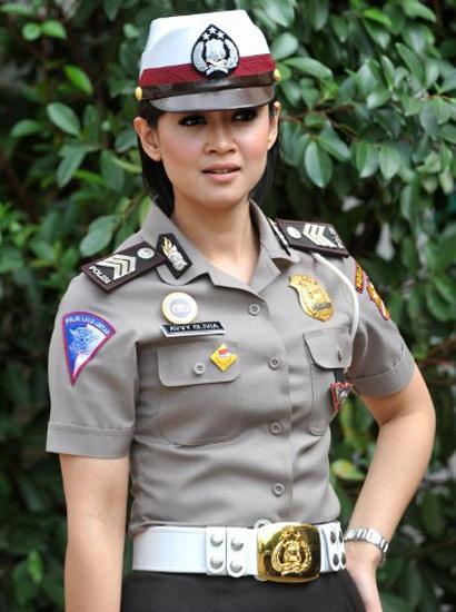 Foto Polisi Wanita (Polwan) Cantik dan Seksi Indonesia