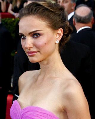 Natalie Portman Bra Size: 34b (2013)
