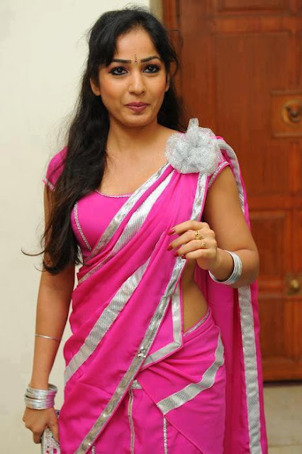 Lovely Hyderabad aunt in rose saree looking hot.