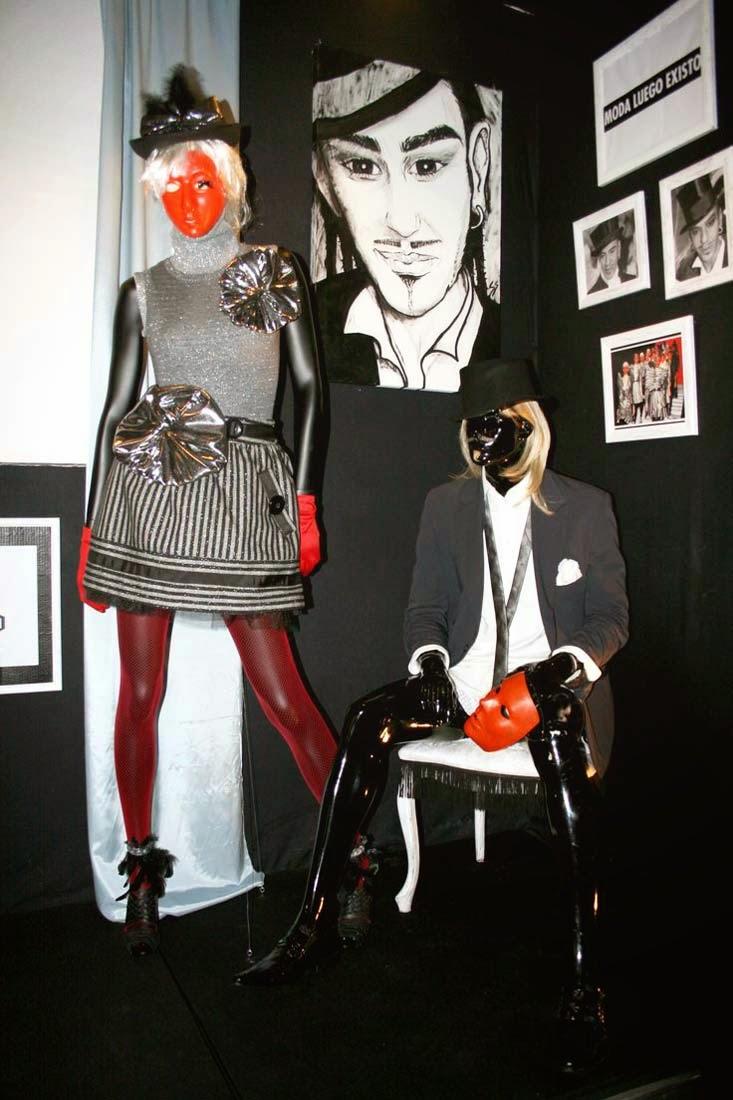 Ártidi: Escaparates de gran formato, John Galliano