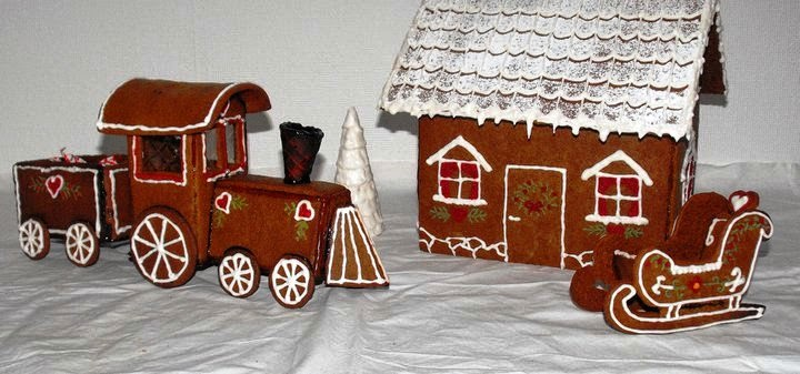 tåg, pepparkakståg, pepparkakssläde, släde, pepparkakshus, pepparkaka, Sösdala, Hässleholm, Jul, Christmas, gingerbread, gingerbreadhouse, kristyr, pyssla