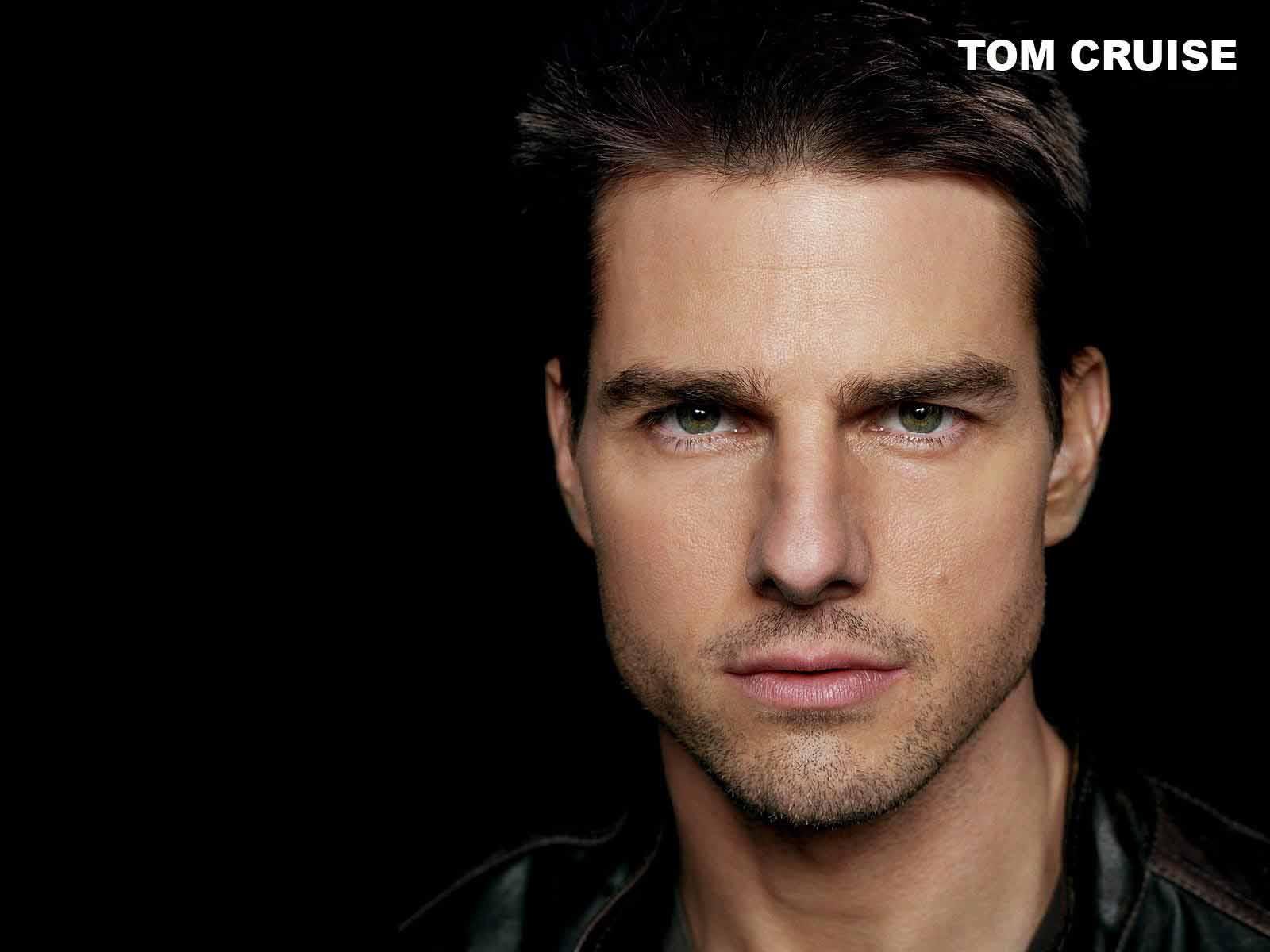 Tom Cruise Photoshop