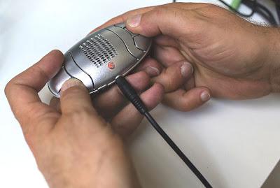 LodyOne en marche relié à un système audi par un cordon mini jack