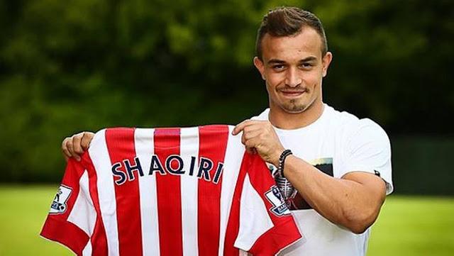 Depois de seis meses na Inter de Milão, Xherdan Shaqiri fechou com o Stoke City, se tornando a maior contratação da história do clube inglês: 12 milhões de libras (R$ 66 milhões). A negociação quase melou quando o suíço não respondeu à proposta do time do Britannia Stadium