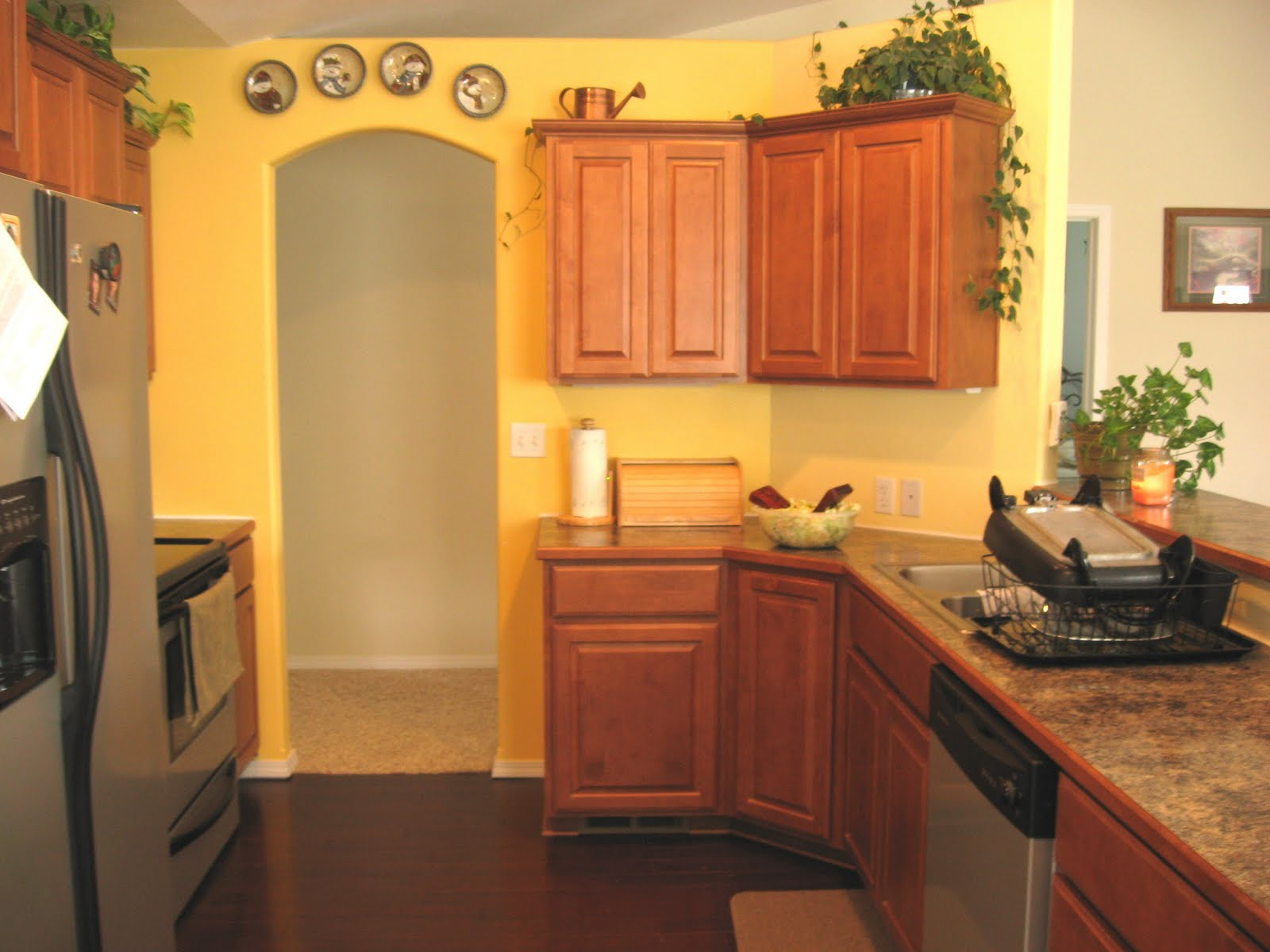 Yellow kitchen basement floor plans pinterest What color cabinets go with yellow walls