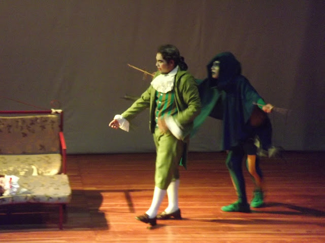 Nuestro teatro junio 2013 for Amor de don perlimplin con belisa en su jardin
