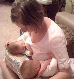 Neonatolog a para padres como amamantar con exito - Cunas para bebes gemelos ...