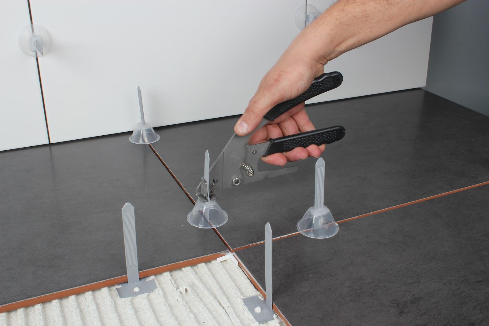 Decoracional sistema de nivelaci n juntas cer micas de rubi - Colocar baldosas en el suelo ...