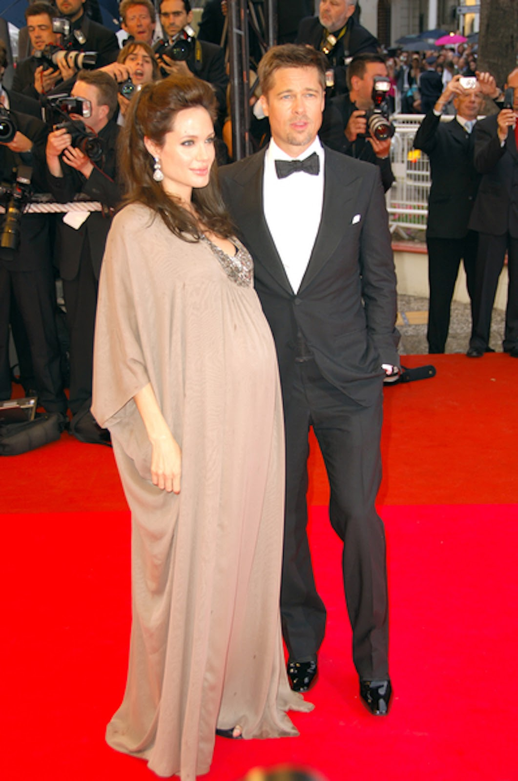Angelina Jolie Pregnant Photos 79