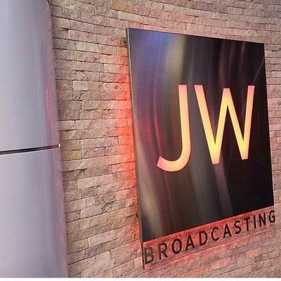 Jw broadcasting tv foto artis candydoll