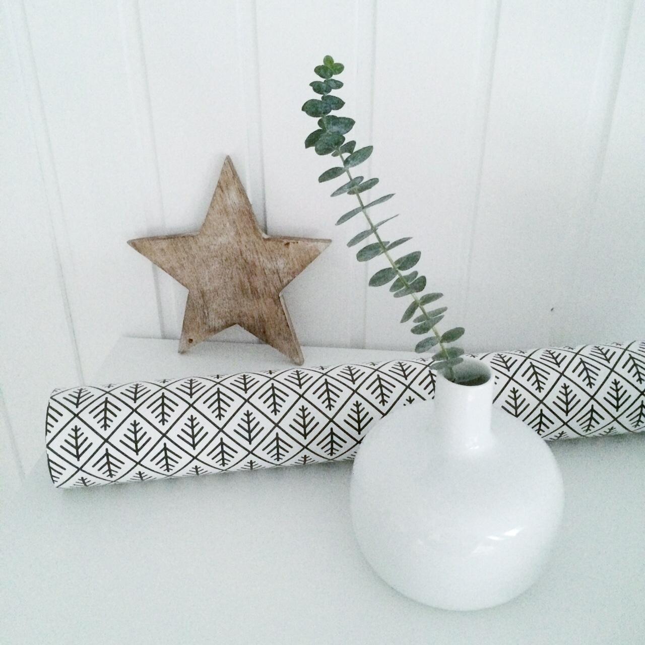 xmas decoration simple, pure