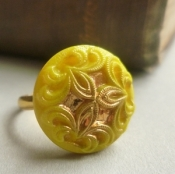 mustard glass ring