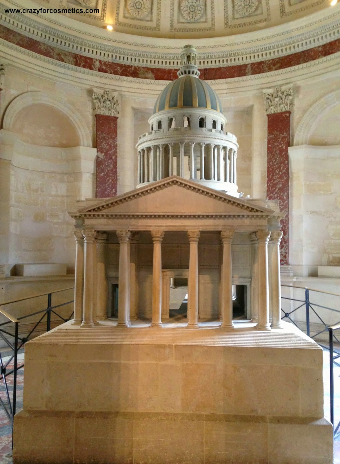 Paris travel attractions - The Pantheon