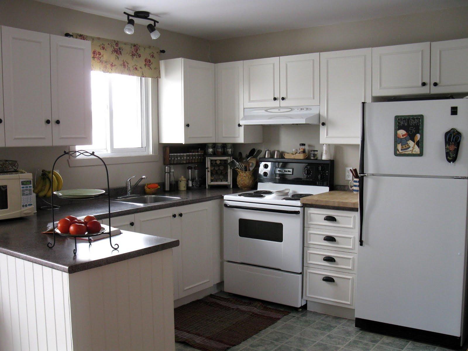 Dans ma maison il y a mes passions rajeunissement de for Moulure armoire cuisine