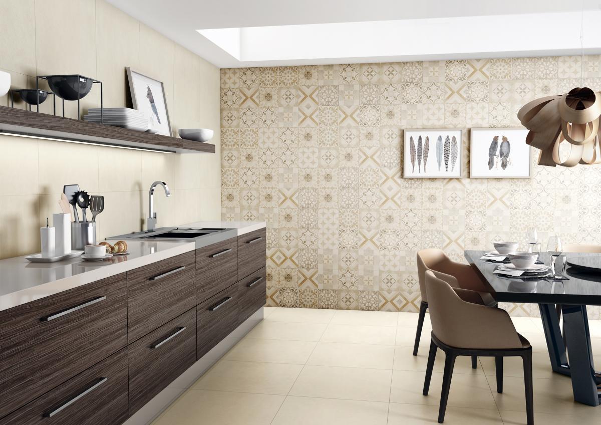 Nesta cozinha com armáriosescuros o piso de porcelanato Royal Marfil  #7A6B51 1200 848