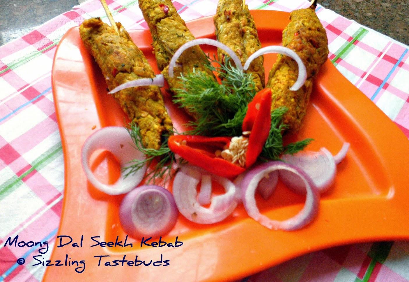 Dal+khichdi+recipe+tarla+dalal