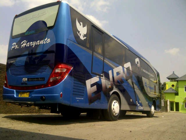 PO Haryanto (The Titans Blue) - New Travego/Jetbus HD by Adi Putro | Mercedes-Benz Bus