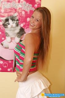 性感毛茸茸的猫 - rs-Hello_Kitty_dawsonmiller_hello_kitty_004-774623.jpg