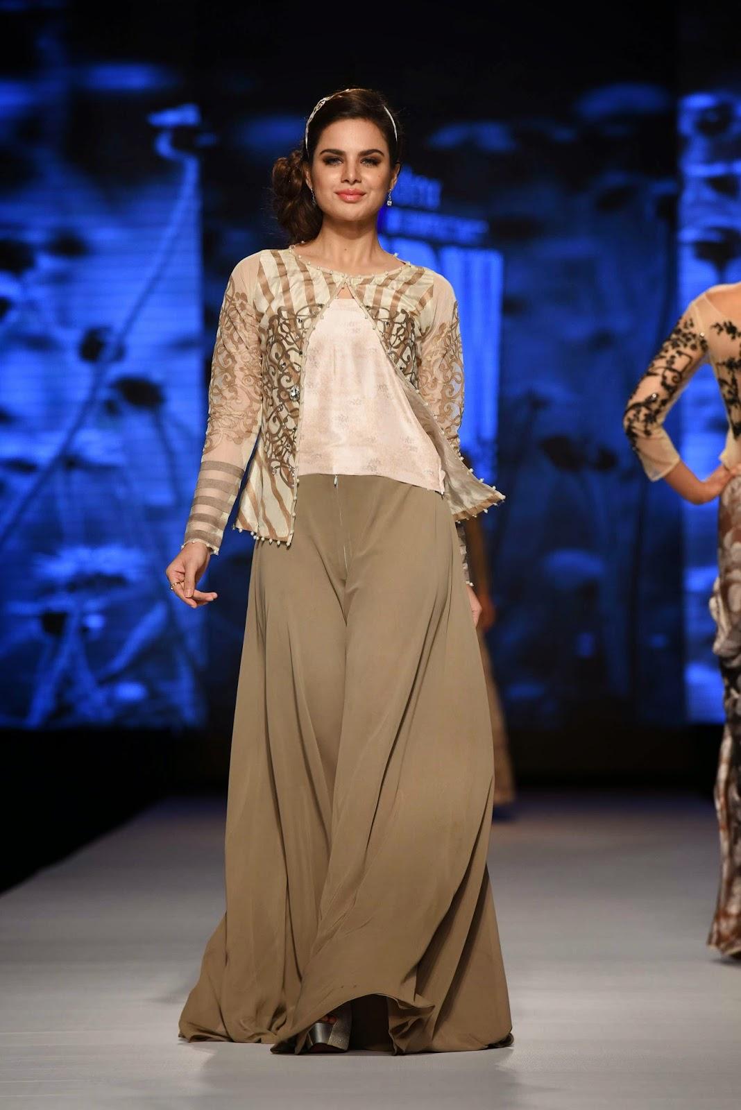 Nida Azwer Telenor Fashion Pakistan Week Day 1