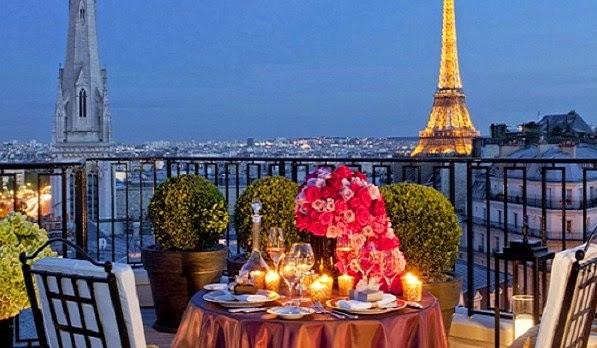 Romantisnya Menara Eiffel