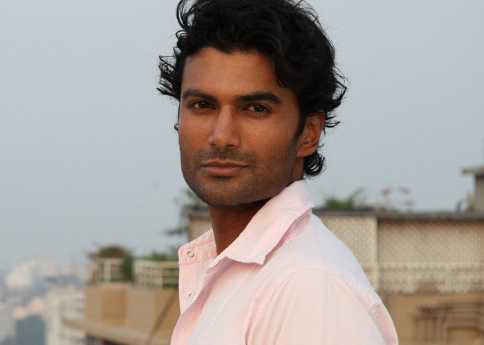Sendhil Ramamurthy Net Worth