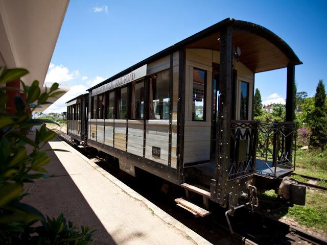 Locomotive im Bahnhof von Da Lat