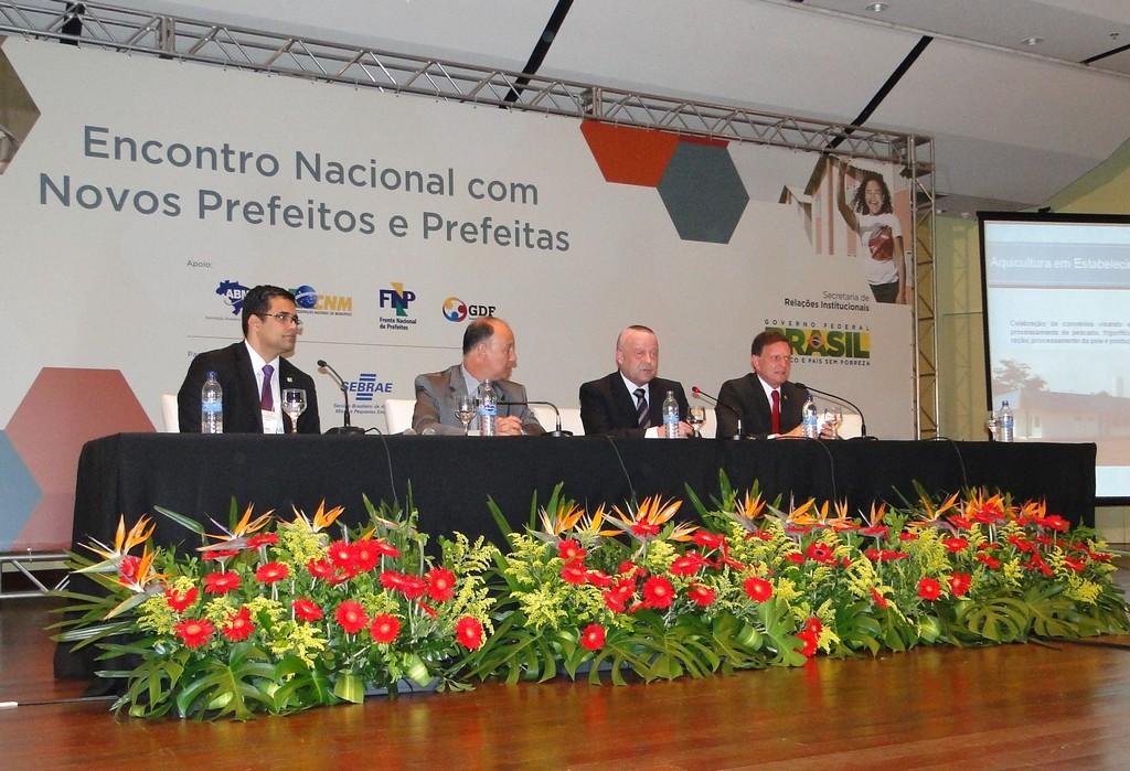 Último dia do Encontro com Novos Prefeitos é marcado por palestras sobre aquicultura e prevenção a desastres naturais