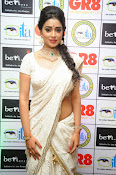 Shriya Saran latest pics at Gr8 Women Awards-thumbnail-4