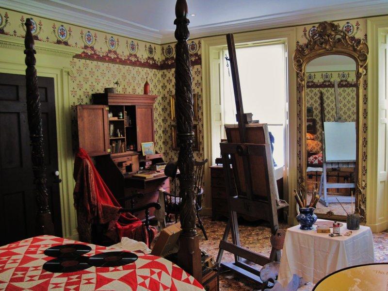 artist bedroom