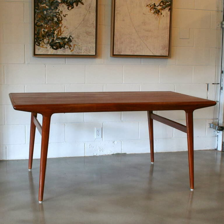 The Quest For The Perfect Dining Table - Parker mid century dining table