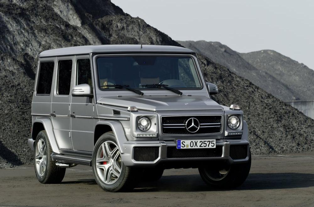 amg g class revealed autoesque. Black Bedroom Furniture Sets. Home Design Ideas