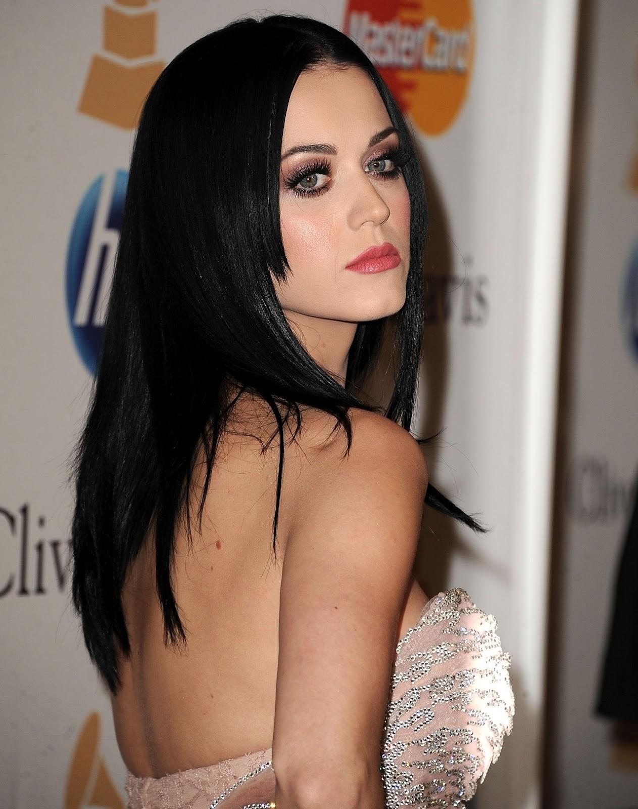 Katy Perry Erotic Nude Photos 46