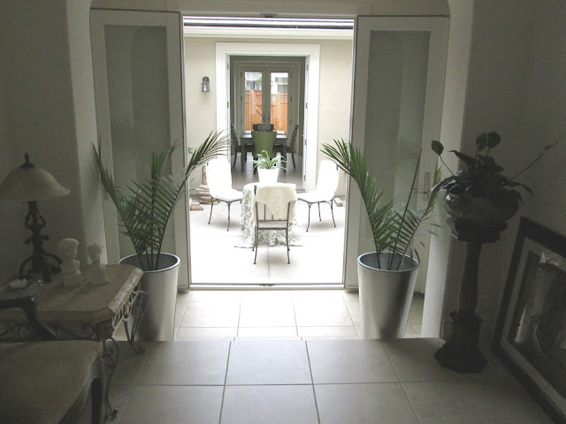 blog.oanasinga.com-interior-design-photos-decorating-our-own-house-the-atrium-work-in-progress-1