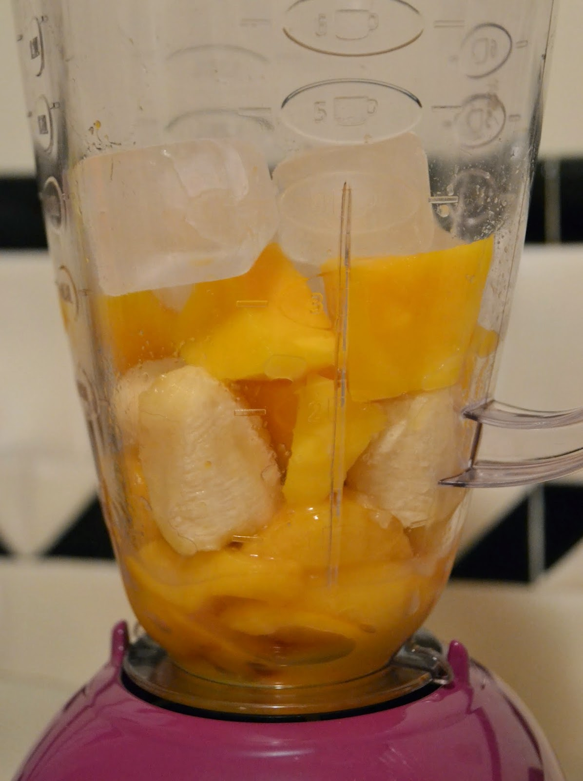 mango+peach+smoothie+ingredients.JPG