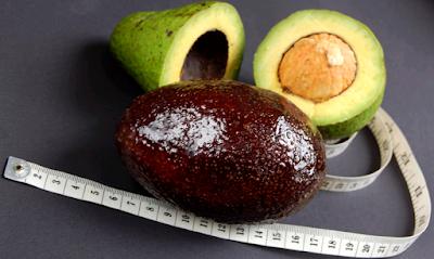 foto buah alpukat matang